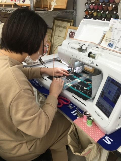 手作り教室での作品 ステッチコラージュのトートバッグ02