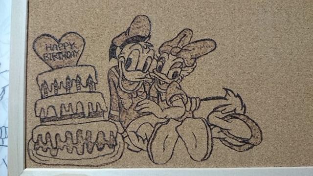 ハンダコテで装飾を加えたコルクボード01